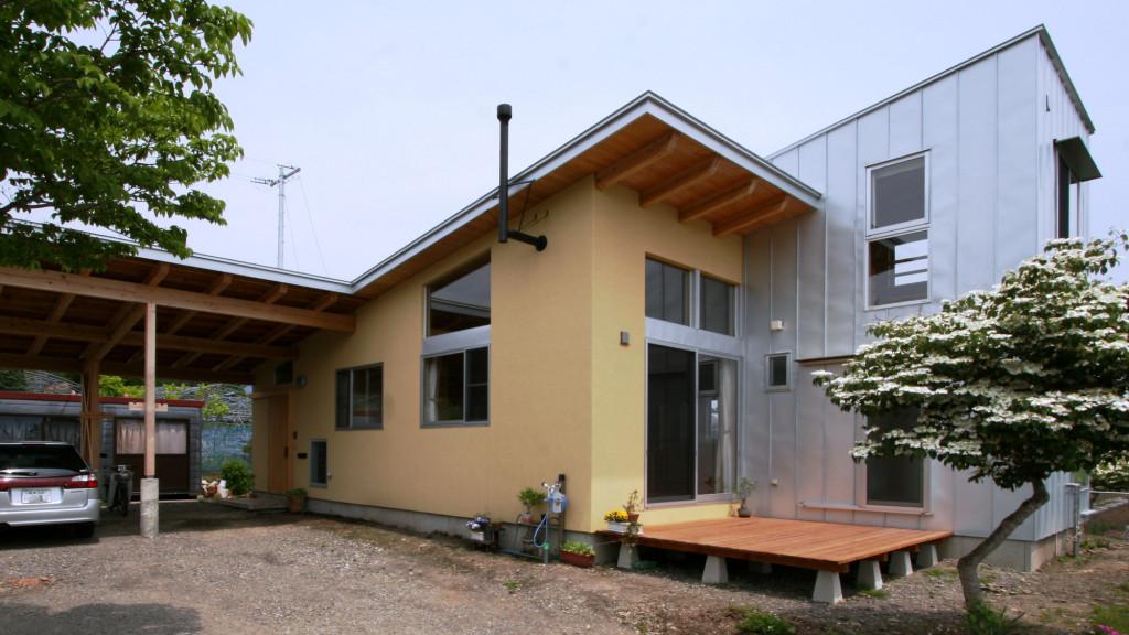 ツインデッキの家